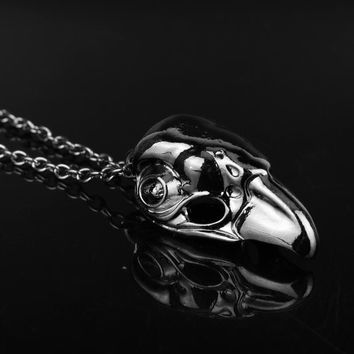 MQCHUN Game Assassin's Creed Charm Necklace Assassins Creed Crow Mask Pendant Knight Temple Necklace For Mens Christmas Gift