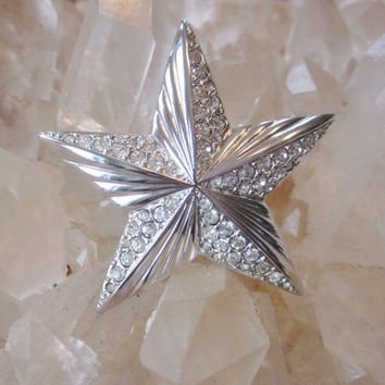 Vintage Rhinestone Star Brooch Silver Tone Star Pin Clear Pave Rhinestones Silvertone Costume Jewelry