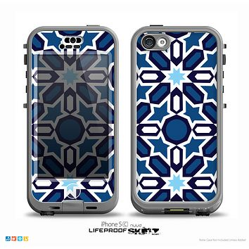 The Blue and White Mosaic Mirrored Pattern Skin for the iPhone 5c nüüd LifeProof Case