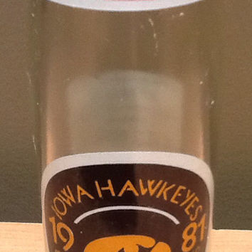 Vintage collectible souvenir 10 FL OZ Coke bottle commemorating the 1981 Iowa Hawkeye Big 10 Championship and 1982 Rose a Bowl achievement.