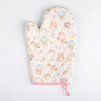 Little Twin Stars Kitchen Mitten: Floral