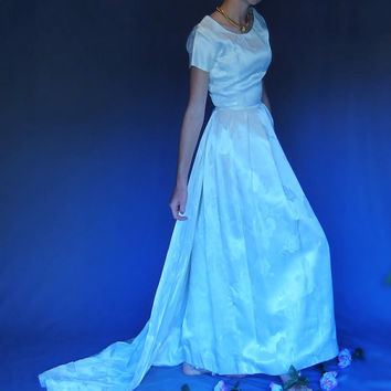 Best Gown Liquidation Products on Wanelo