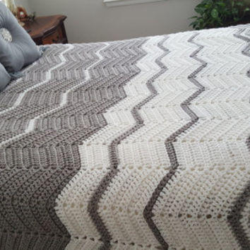 Queen Size Crocheted Rippled Pattern Afghan