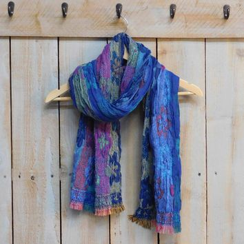 Beautiful Bunchy Flower Scarf