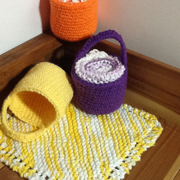 Doorknob basket and washcloth set, teacher gift, housewarming gift, bathroom storage , cotton gift set, knit dishcloth, colorful set