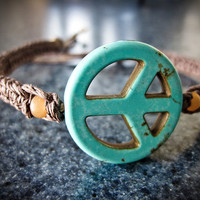 ONE 100% HEMP Peace & Love Fish-Knot Bracelet
