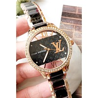 LV 2019 new men and women models with diamond case simple and versatile quartz watch Black
