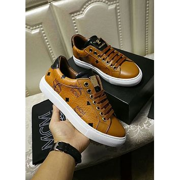 MCM 2018 early autumn new round head strap flat running shoes Brown