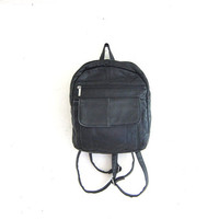 20% OFF SALE vintage 90s black leather backpack rucksack. small shoulder bag.