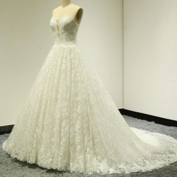 Sweetheart Ball Gown Lace Wedding Dresses Chapel Train Illusion Design