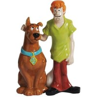 Westland Giftware Magnetic Ceramic Salt and Pepper Shaker Set, Scooby-Doo and Shaggy, Multicolor