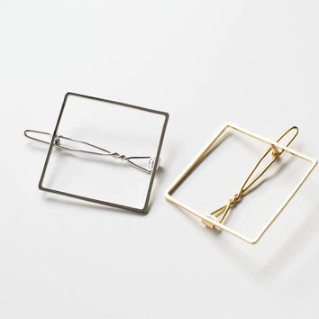 Line Square hairpin