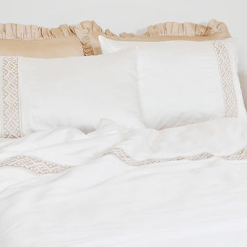 Ivory Lace Ribbed Duvet Cover Set in Full Queen King Size & Beige Ruffle Sheet Set - Cotton Sateen - Romantic, Elegant, Shabby Chic Bedding
