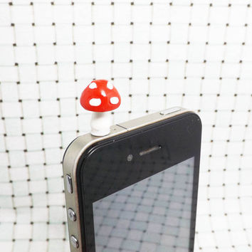 50%OFF Cute White Dot Red Mushroom Dust Plug 3.5mm Smart Phone Plug iPhone 4 4S 5 5S Dust Plug Samsung Charm Headphone Jack Ear Cap