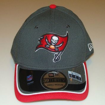 New Era Hat Cap NFL Football Tampa Bay Buccaneers Reverse 39THIRTY S/M Flex Fit