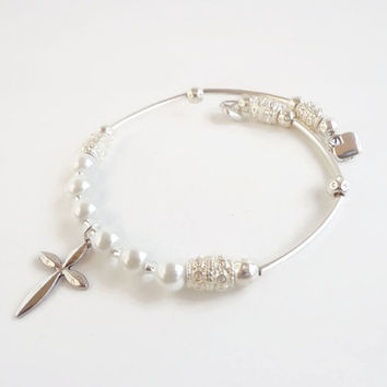 First Holy Communion Bracelet ~ Religious Gifts , Girls First Communion , Confirmation , White Pearl Memory Wire Bracelet , Catholic Gifts