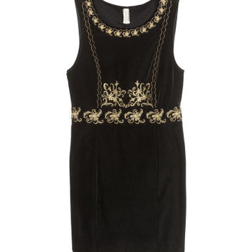 H&M Embroidered velvet dress £19.99