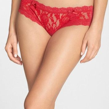 ICIK8BW SIGNATURE LACE CHEEKY HIPSTER BRIEFS