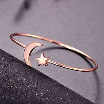 ONETOW Fashion Love Women Stars Moon Bracelet