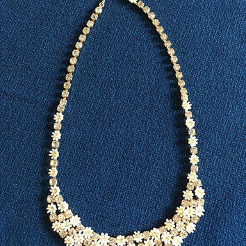 White Flower Necklace - Choker Length - Rhinestone Flowers - Clear Rhinestones - Unsigned LaRu - Vintage 1950's