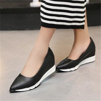 Modern Sporty Pointed Toe Pump Wedges