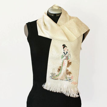 Vintage Asian scarf. Hand painted scarf. Silk fringes scarf. Oriental. Off white. Asian girl in kimono. Gift for her