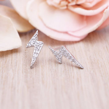 925 sterling silver pave cubic zirconia Lightnig bolt stud earrings