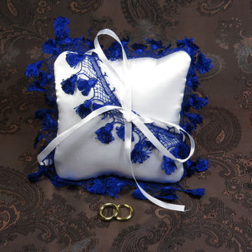 Wedding ring pillow ideas / personalized wedding kneeling pillows / white with blue pillow for wedding rings / wedding sets  (without rings)