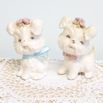 White Cutesy Dogs Salt and Pepper, 1950's, Enterprise Exclusive, Canada, Made in Japan, Mid Century, Anthropomorphic,  Pods, Shakers, Pots