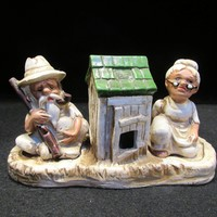 Old Couple, and outhouse, Hillbillies, Salt and Pepper Shakers (1644)