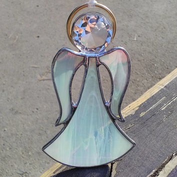 Guardian Angel Suncatcher Window Decoration, Friend and protector symbol to send harmony to loved ones, Family or friend New Year gift