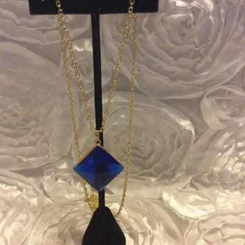 Vintage necklace 25mm lucite drop pendant very nice 18inch chain old stock vintage jewelry blue necklace