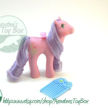 Vintage My Little Pony Lily Flutter Pony with Comb