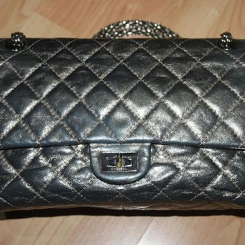 CHARMING CHANEL REISSUE 2.55 CLASSIC FLAP BAG IN METALLIC BRONZE SIZE 226 SHW