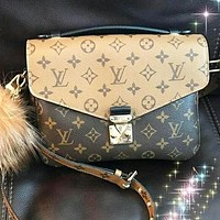 LV Louis Vuitton Trending Popular Women Leather Handbag Shoulder Bag Crossbody Satchel