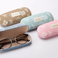 Retro Handmade Print Linen Glasses Case Hard-Shell Eco-Friendly Durable And Aesthetic A Soldier To Your Eyeglasses