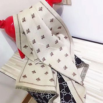 GUCCI Trending Bee Pattern Cashmere Cape Scarf Scarves Shawl Accessories