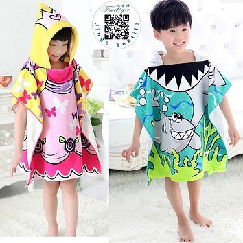 New 2017 Carton Hooded Baby Towels Kids Microfiber Bathrobe Bath Towel Infant Blanket Neonatal Children Kinderen Handdoeken