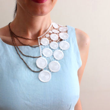 Reserved / White Lace Collar Necklace, White Statement Chain Peter Pan collar necklace, Quilted Detachable collar