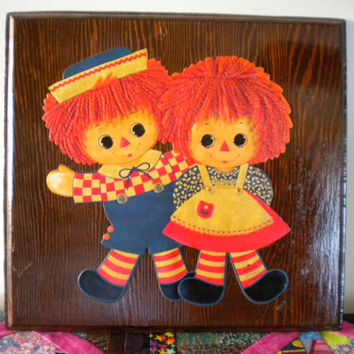 Raggedy Ann and Andy dolls, Hallmark Raggedy Ann Andy, 1970s nursery decor, Raggedy ann wooden plaque, ann and andy nursery wall hanging