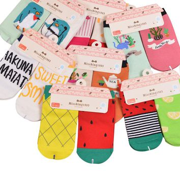 2 Pairs Women Socks Novelty Fruit Pattern Cute Penguin Personality Jacquard Cotton Girls Socks Casual Fashion Female Ankle Sock