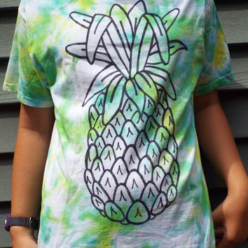 Kids Pineapple TShirt, Youth L, Pineapple Shirt, Kids Tie Dye T-Shirt, for Tweens, Fruit Shirt, Luau Shirt, Hawaiian Party, Fun Shirt