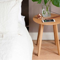 FurniQi – Bamboo Wireless Charging Side Table