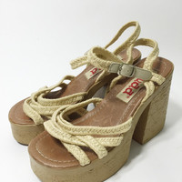 90s Platform Sandals / Stacked Chunky Heels 6 / Boho Shoes / Womens Sandals 6 / Vegan