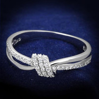 Delicate Knot Ring with Cubic Zirconia's