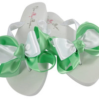 Bridesmaid Bridal Flip Flops in Mint Green Bows, Wedding Flip Flop Shoes, Ivory or White for Bride and Bridesmaids, Flower Girl Sandals