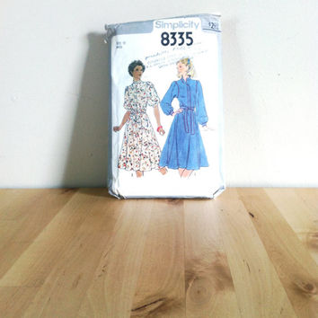 Simplicity 8335 Misses' Gathered Knee-Length Dress {1978} Vintage Sewing Pattern