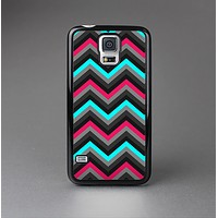 The Sharp Pink & Teal Chevron Pattern Skin-Sert Case for the Samsung Galaxy S5