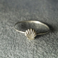 Silver Seashell Ring