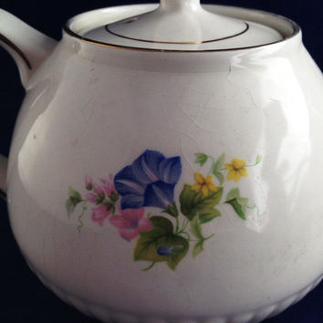 Ellgreave Teapot Blue Flower Pattern Gold Trim Made in Engand, Genuine IronStone